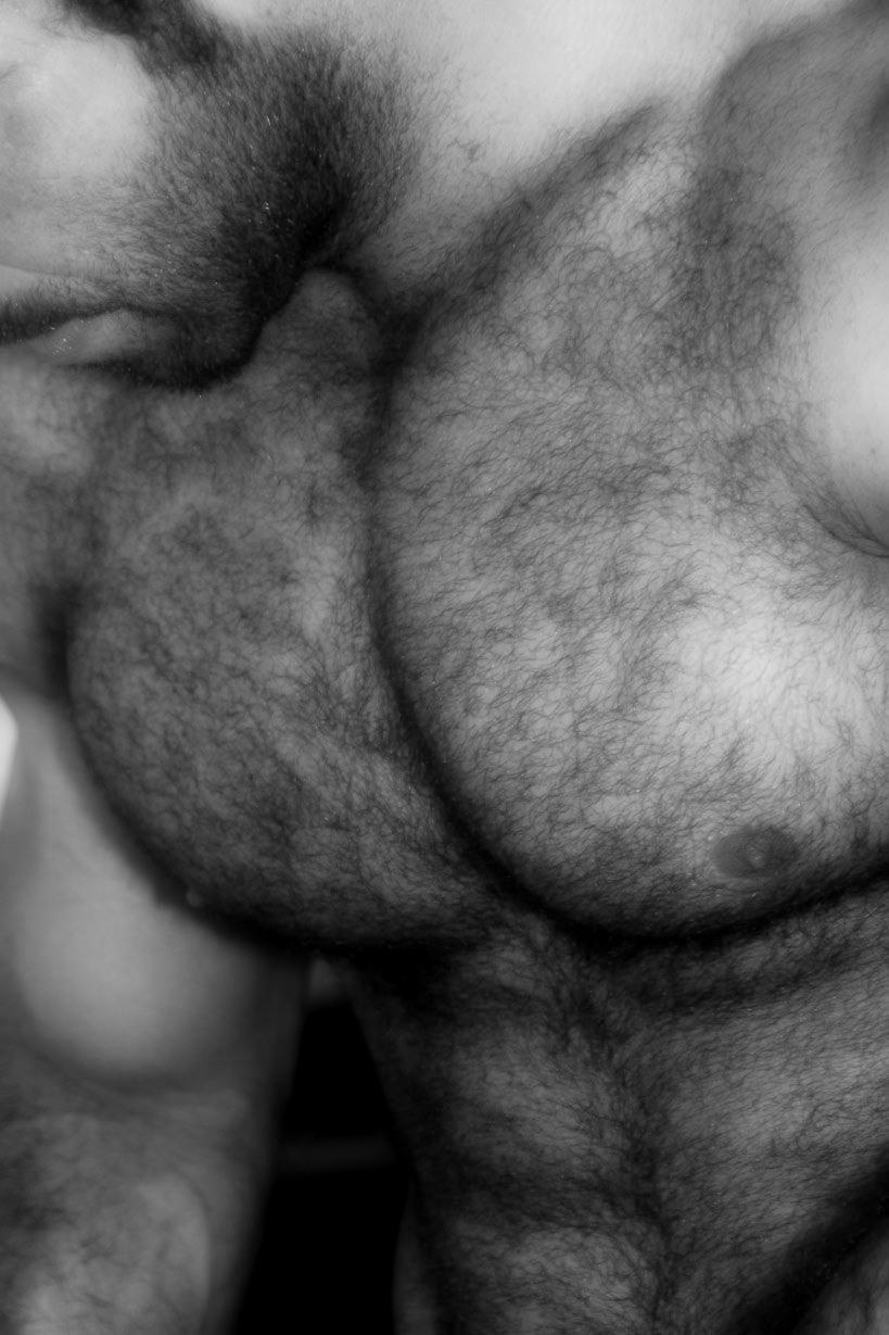 Mujeres besandose en la escalera - 3 part 9
